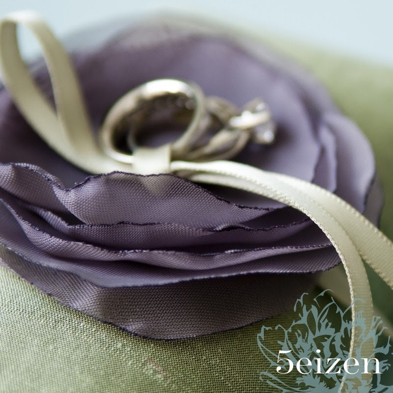 Lili Ring Pillow - Purple and Green