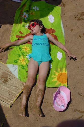 DSC04908_Louise_at_Lekeitio_Beach