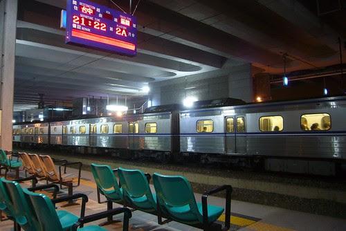 新烏日站夜景
