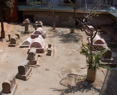 Necròpolis romana de la plaça Vila de Madrid