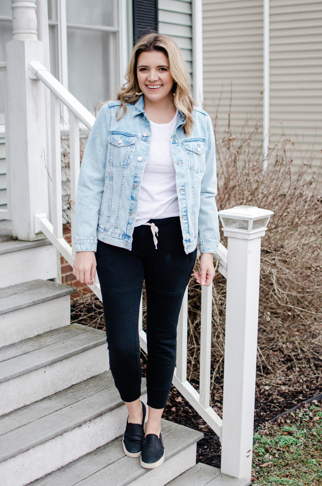 six oversized denim jacket outfits for spring lauren m