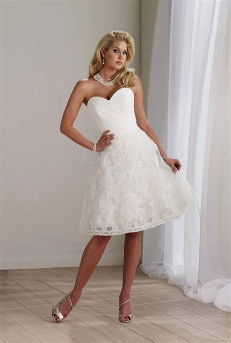 Best Wedding Dresses for Short Girls   Styles of Wedding