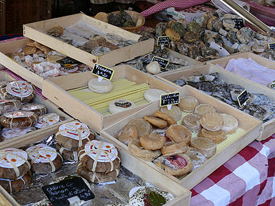 fromages marché Aix.jpg