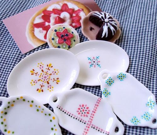 serving platters by Petitplat