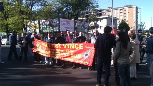 Nella fabbrica Marcegaglia di viale Sarca a Milano ieri mattina sette operai hanno attuato una protesta ad oltranza contro la direzione aziendale salendo sul carroponte della campata sopra l'unica linea […]
