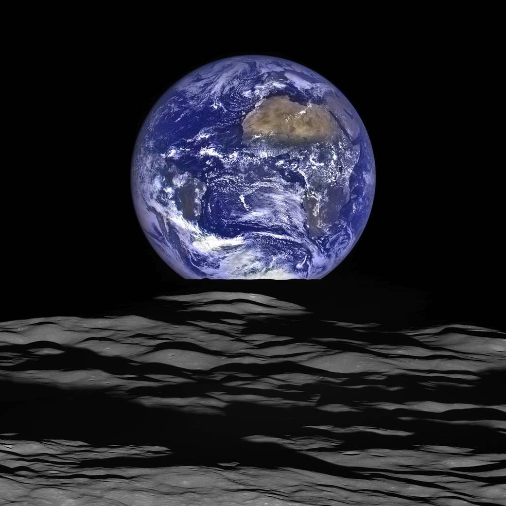 Resultado de imagem para terra vista da lua
