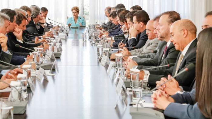 Presidenta Dilma propõe a governadores pacto nacional para reduzir taxa de homicídios no Brasil