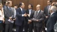 Pr Silas Malafaia consegue mais de um milhão de assinaturas contra a PLC 122 e entrega ao presidente do Senado