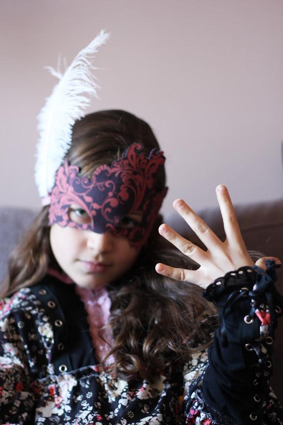 Rock 'n Romance mask