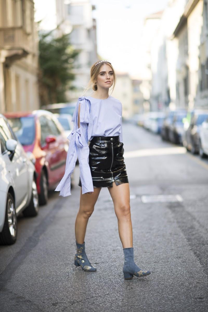 Resultado de imagen de faldas de charol street style