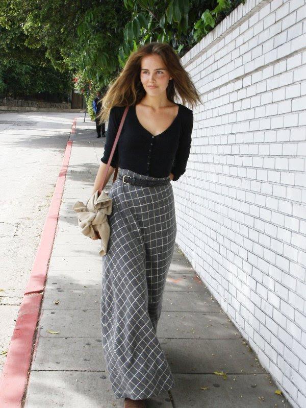 Enpetitcomite-Isabel lucas falda larga
