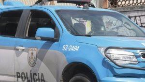 Policiais presos em flagrante após fuzilamento de jovens são transferidos para presídio em Niterói