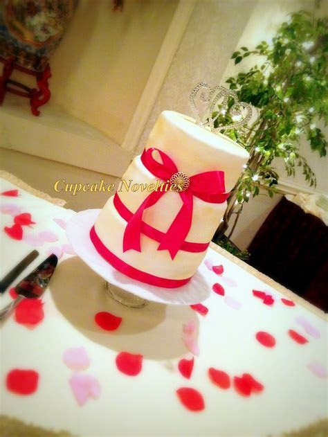 25  best Cupcake Wedding Favors trending ideas on