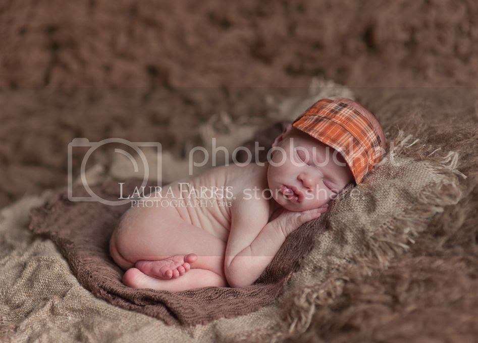 photo newbornphotographersnampa_zpsc0b72ec9.jpg