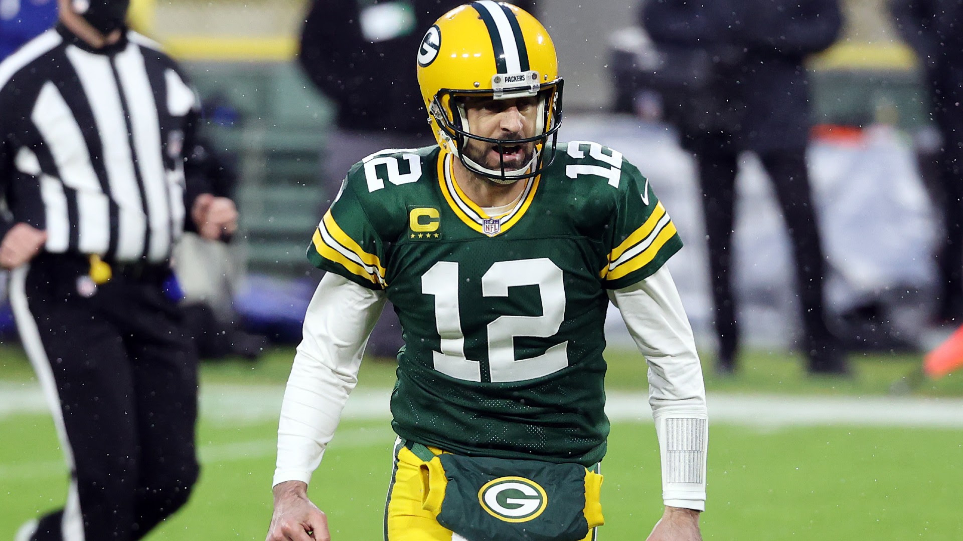 Aaron Rodgers contract: Packers working on restructuring superstar quarterback's deal