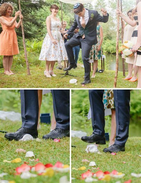 What Happens at a Jewish Wedding?     TopWeddingSites.com
