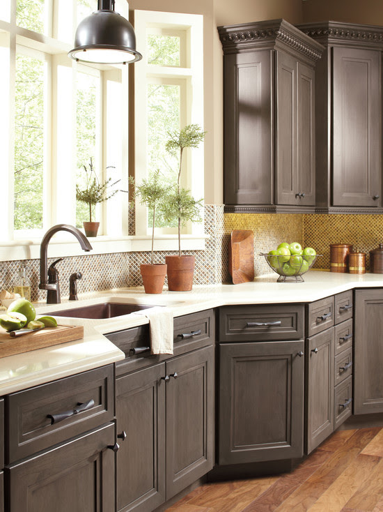 Lovely Colors for Your Kitchen Cabinets   HomesFeed