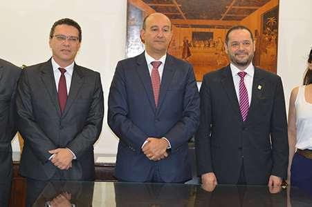 Dr. Marcos Machado Ferreira, dr. Gianpaolo Smanio e dr. Pedro Eduardo Menegasso