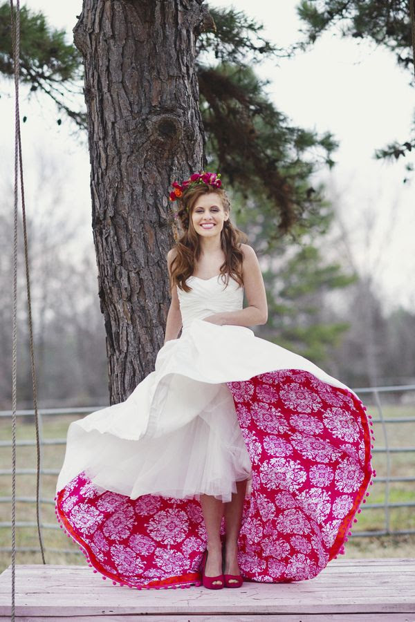 How fun!  Line your wedding dress! Photo source frosted petticoat #weddingdress
