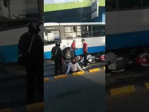 En Guadalupe: Choque entre moto y bus deja una mujer fallecida