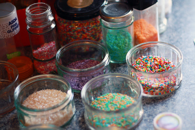 2012_03_23 Cake Pops copy