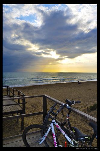 Let the sunshine in - Fai entrare la luce by via_parata