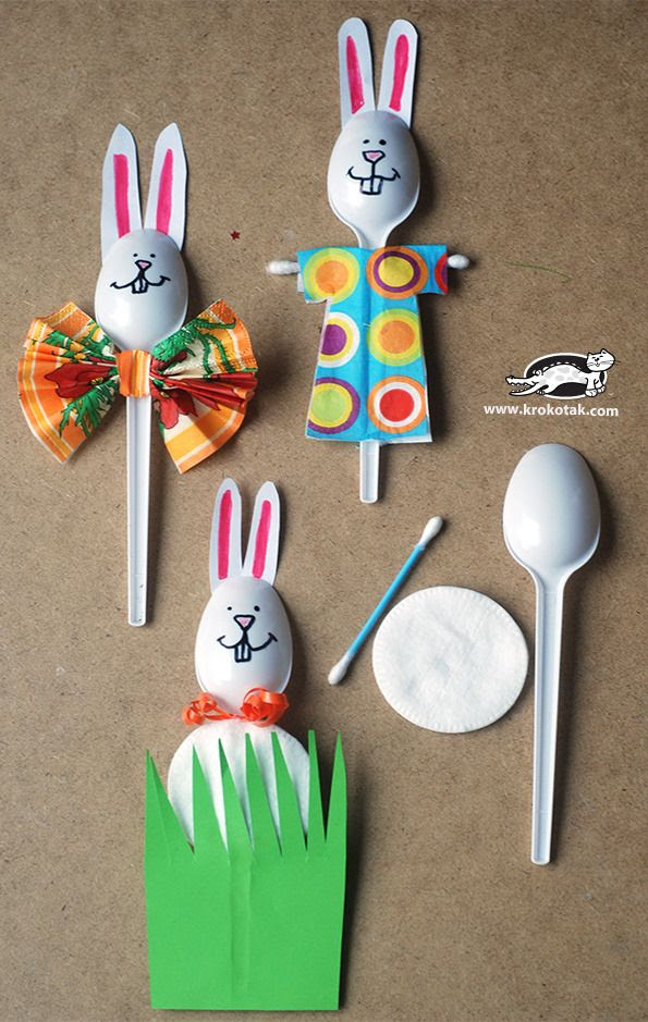Cool Easter crafts from everyday household objects: Plastic spoon bunnies DIY at Krokotak