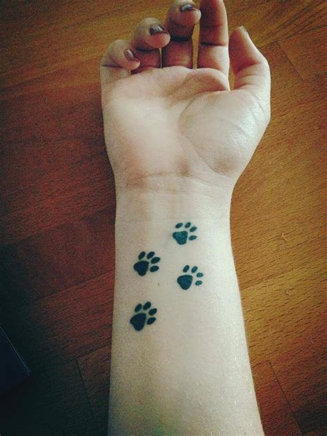 21 Adorable Tiny Tattoo Ideas For Girls   Godfather Style