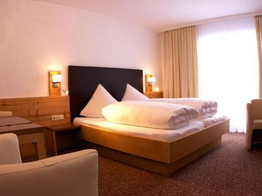 Review Hotel Garni Mirabell