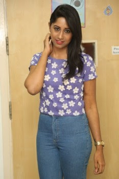 Nithya New Photos - 18 of 19