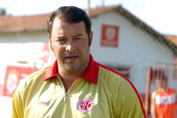 Roberto Fernandes foi condenado a dois jogos de suspensão pelos problemas no clássico contra o ABC