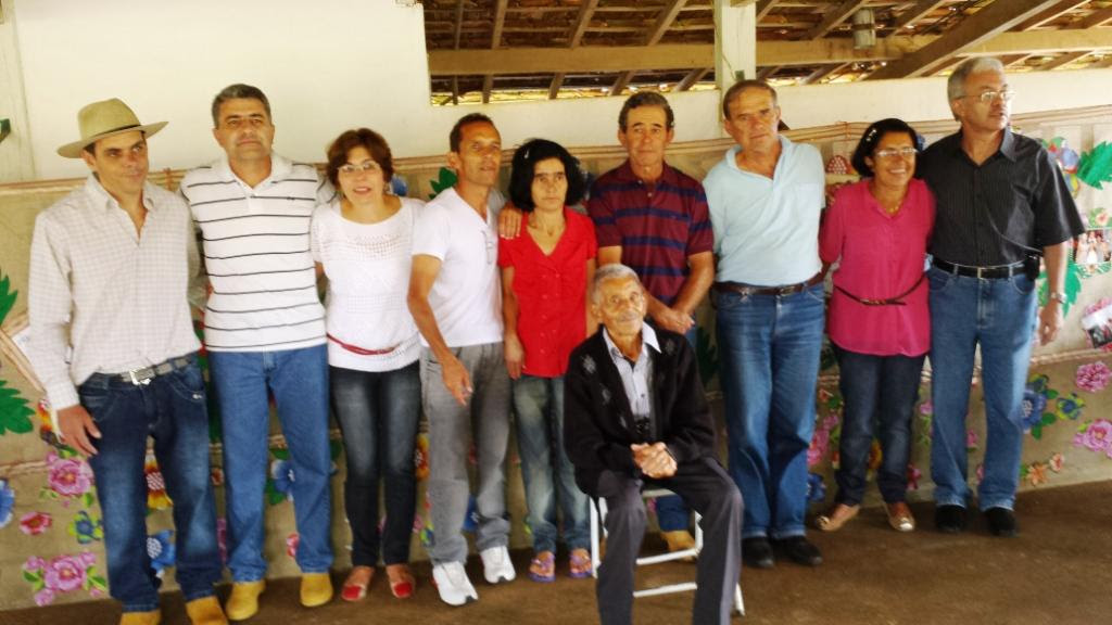 José Nicolau e seus 9 filhos, da direita para a esquerda: Airton, Sônia, Rene, Vilmar, Maria de Lourdes, Ademar, Ione, Geraldo e Carlos. Dia 18.01.2014.