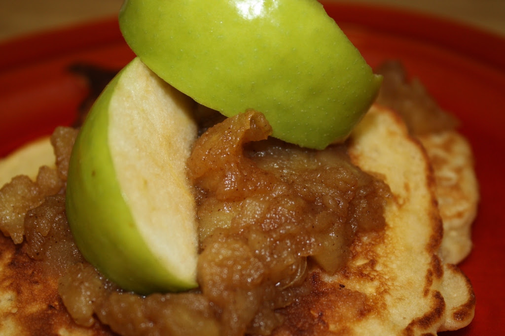 Oatmeal Pancakes with Applesauce