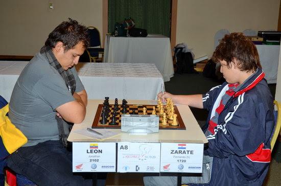 Jonathan León vs. Fernando Zárate (h)
