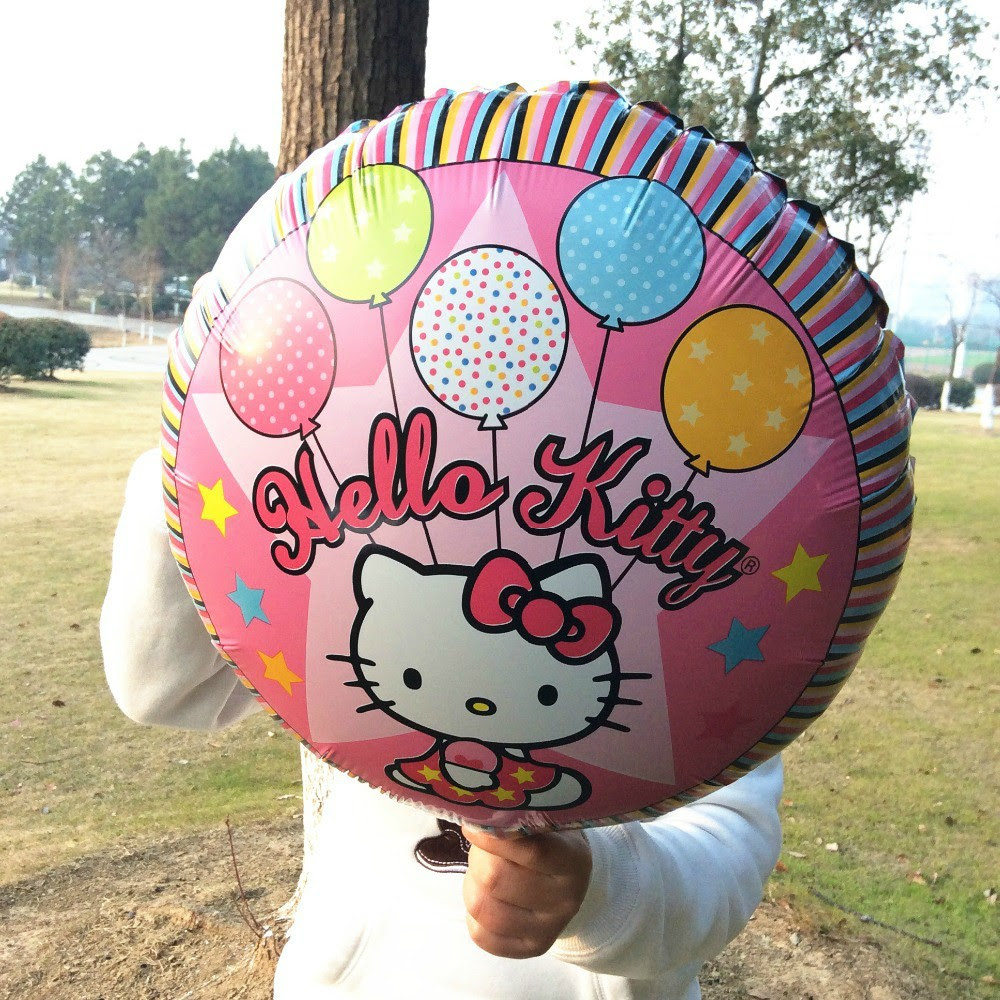 IMAGEM: Balão de festa da Hello Kitty