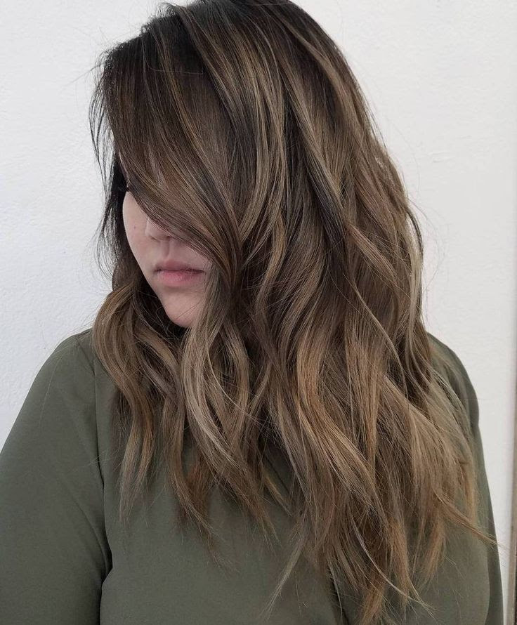 15 Long Hairstyles For Thick Hair To Look Attractive ...