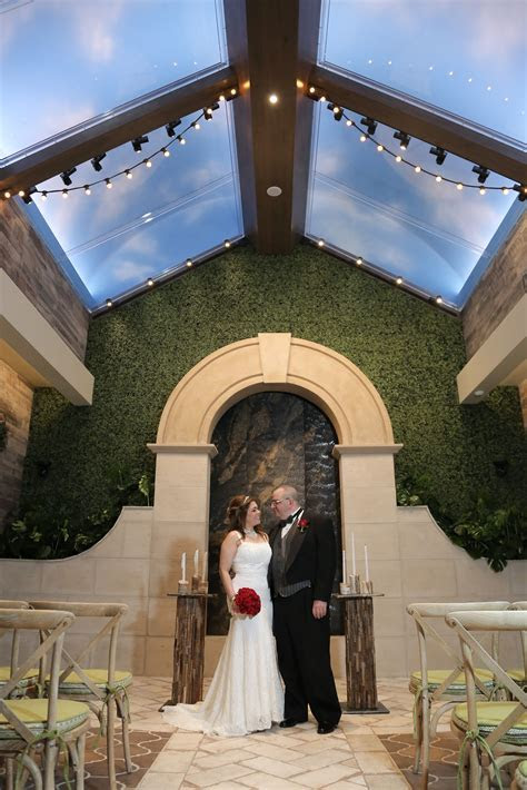 Romantic Wedding Venue Ideas in Las Vegas. Garden Wedding