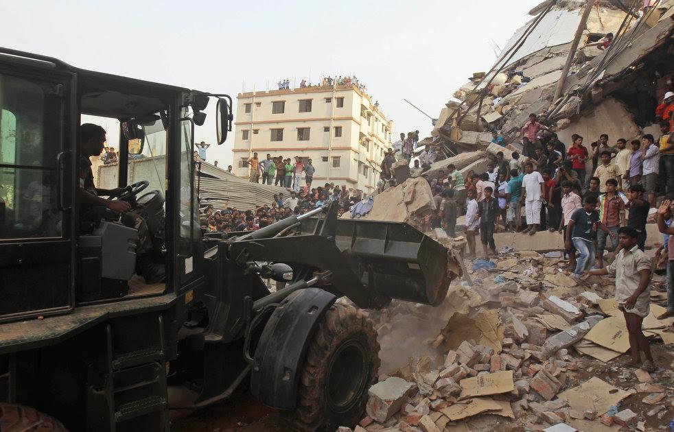 bangladesh_building_collapse_10.jpg