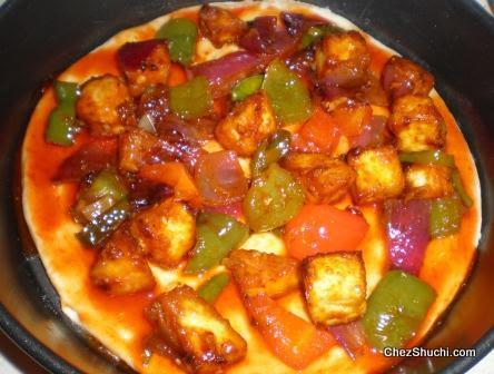 chili paneer pizza
