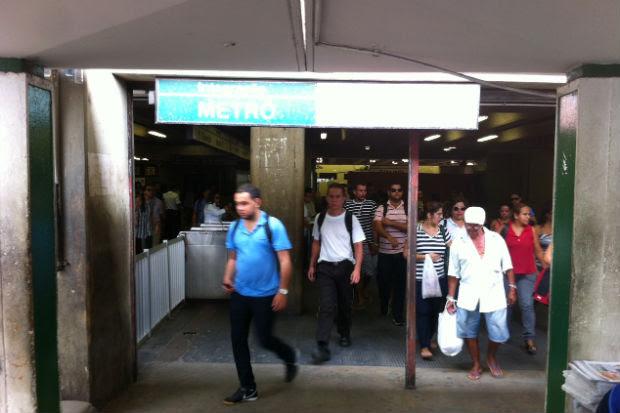 Estação de Joana Bezerra, usuários tem dificuldade para pegar um transporte. Foto: Mayra Cavalcanti/DP/D.A.Press