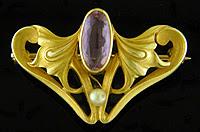 Art Nouveau amethyst brooch. (J9223)