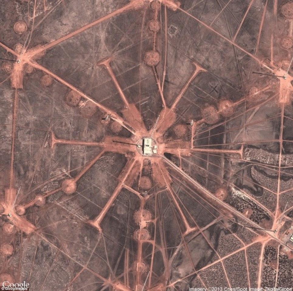 """Austrália Ocidental: Comunicação Estação Naval de Holt - Esta é a mais poderosa estação de transmissão no hemisfério sul. """"Nunca ouvi falar do site antes, mas é estranhamente bela de cima"""", disse Begley"""