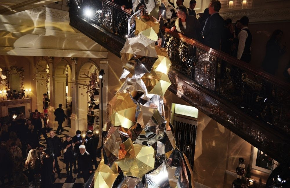 photo Burberry_Claridges Christmas Tree 2015 Event_002_zpsibxvr742.jpg