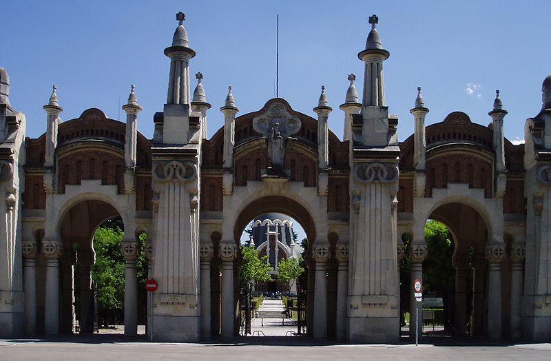 Archivo:Cementerio de la Almudena 04jul07 67.JPG