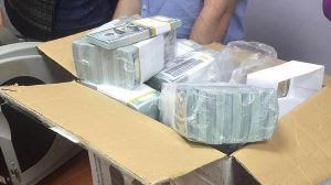 I dollari appena stampati in casa di Zacharcenko