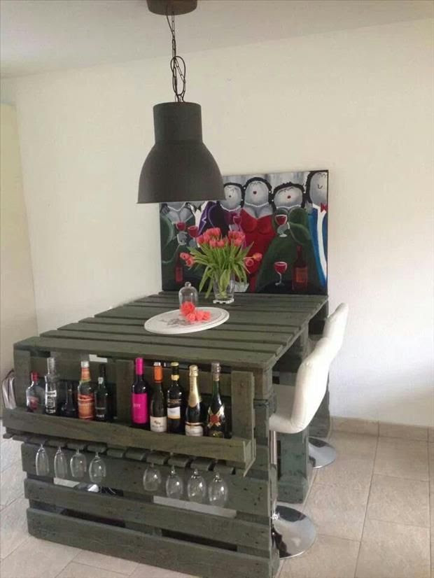 24 Amazing Uses For Old Pallets - Even if I was a millionaire I'd still have a house FULL of awesome pallet furniture. Now I have to add bed frame to my project list!