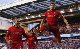 Gerrard tumba al Tottenham y abre la lucha por la Champions