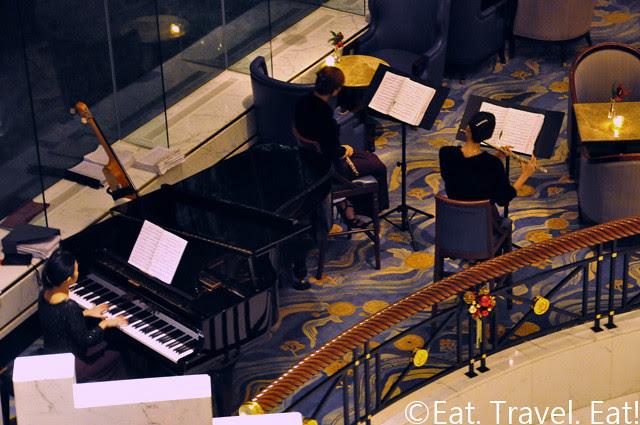 Island Shangri-La Lobby Lounge Musicians