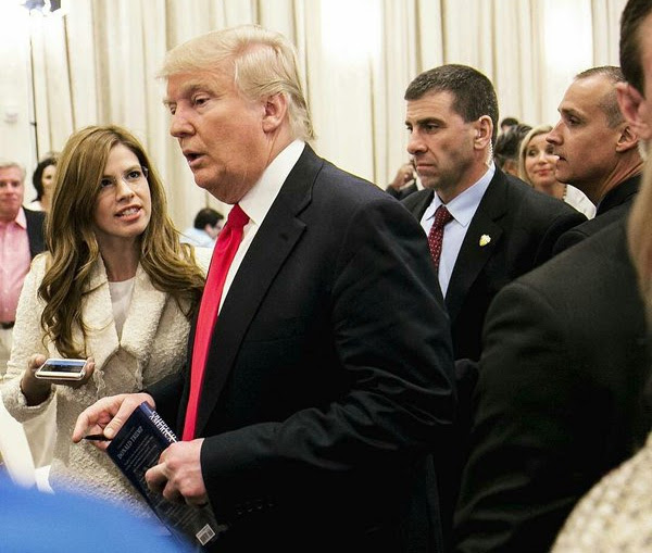 Then-Breitbart reporter Michelle Fields attempts to ask questions of GOP front-runner Donald Trump with Trump campaign manager Corey Lewandowski, far right, staring in her direction (Photo: Twitter)
