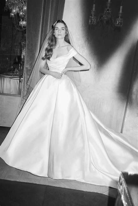 Elie Saab Bridal Spring 2019. Off the shoulder satin ball